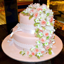 Charm of the Roses: Designer Cakes