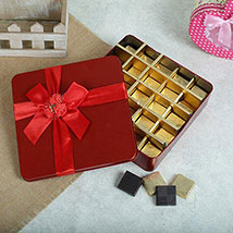 Delightful Assorted Chocolates: Anniversary Gift Ideas
