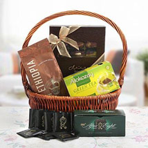 Delighting Love: Gift Hampers
