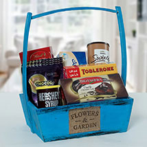 Hamper Of Chocolate Derivatives: Gift Hampers