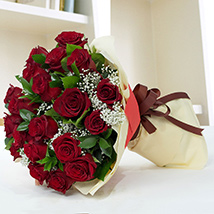 Lovely Roses Bouquet: Anniversary Gifts
