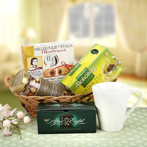 Refreshing Gift: Gift Hampers