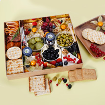 Small Cheese Box with Condiments: Food Gifts